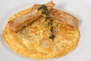 Jueves Lardero: tortilla de butifarra de huevo