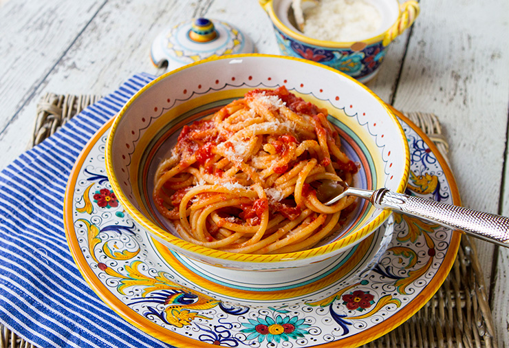 Espaguetis amb salsa amatriciana