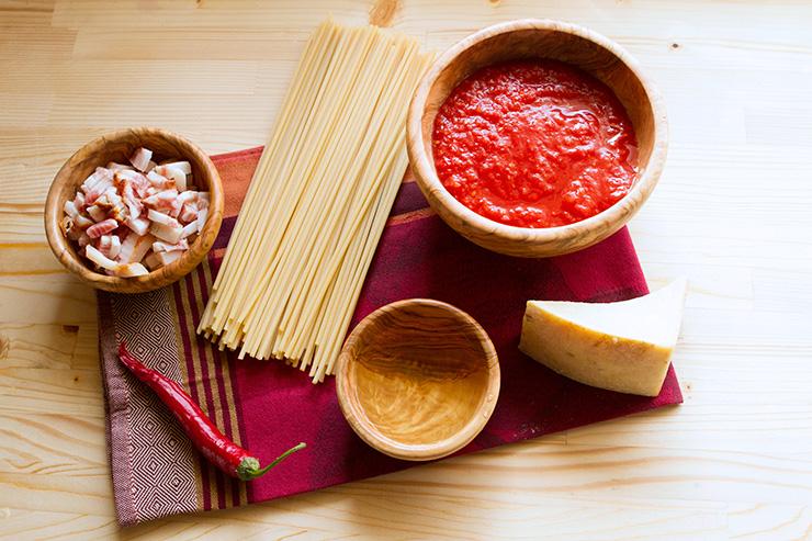 ingredientes de los espaguetis con salsa amatriciana