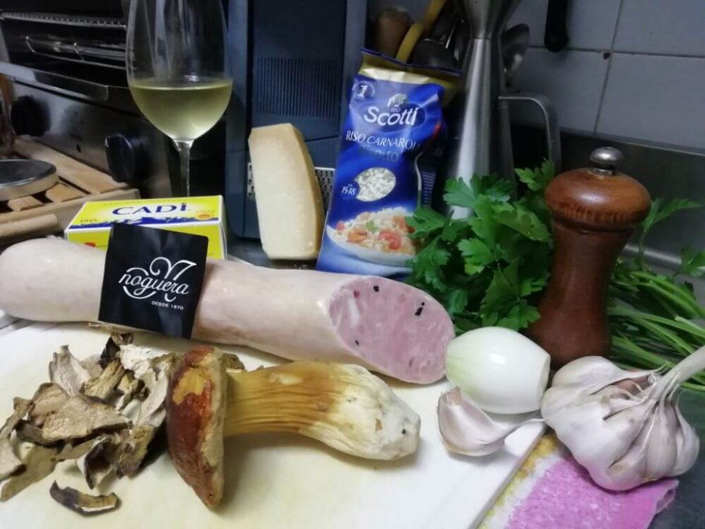 ingredientes para el risotto de setas y butifarra