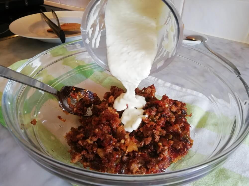 patates olot afegim puré d'all al sofregit